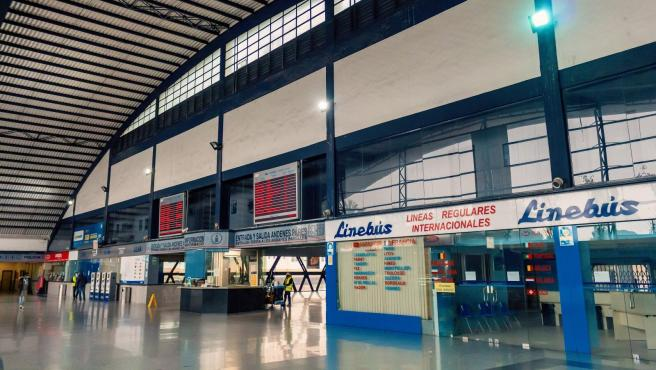 Interior de la estación de autobuses de València.