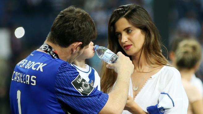 Iker Casillas y Sara Carbonero junto a su hijo Lucas, en una imagen de archivo.