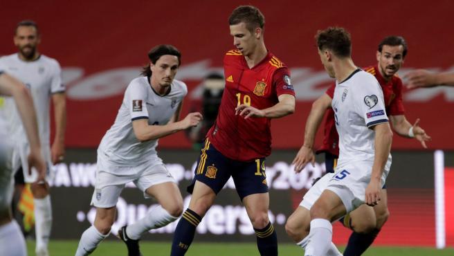 Dani Olmo, durante el partido entre España y Kosovo