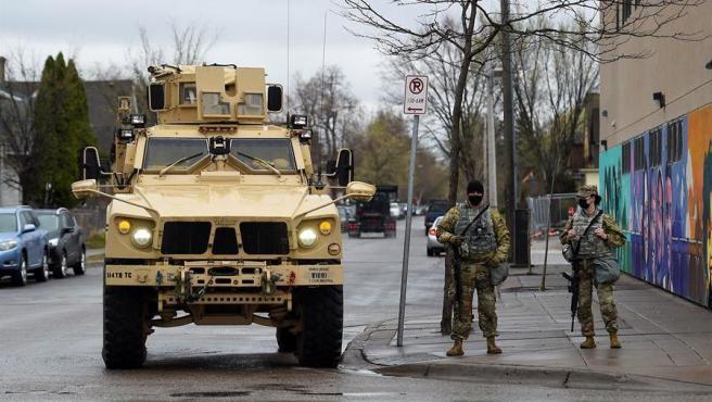 Miembros de la Guardia Nacional de Minesota (EE UU), desplegados en Mineápolis.