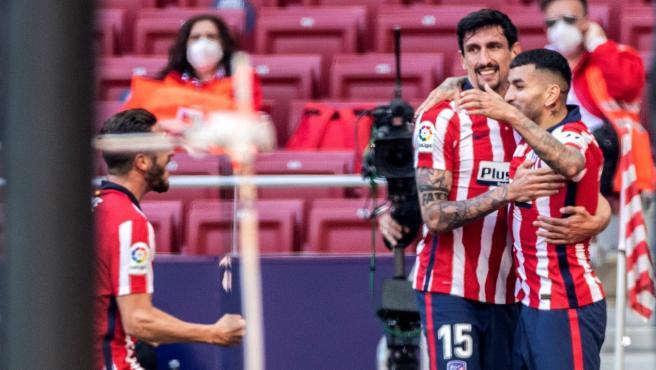 Celebración de uno de los goles de Correa.