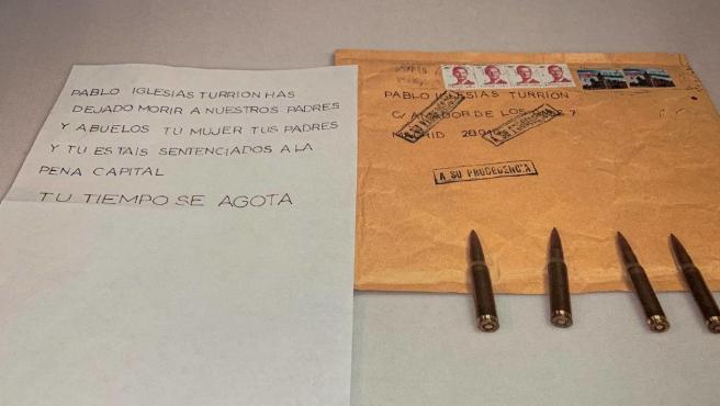 El contenido del sobre dirigido a Pablo Iglesias: amenazas de muerte en una carta y cuatro balas de fusil.