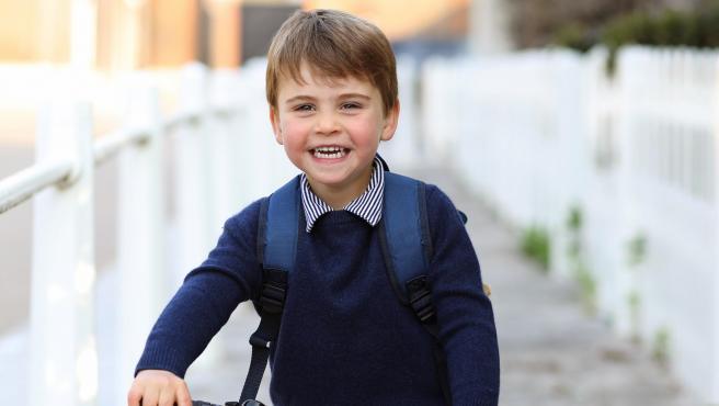 El príncipe Louis de Cambridge, en abril de 2021.