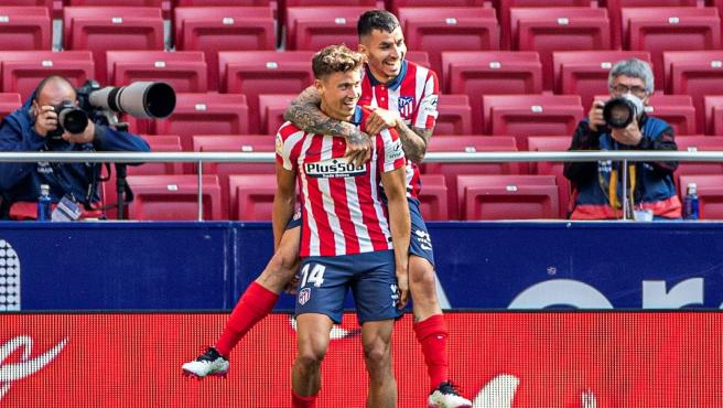 Marcos Llorente and Ángel Correa