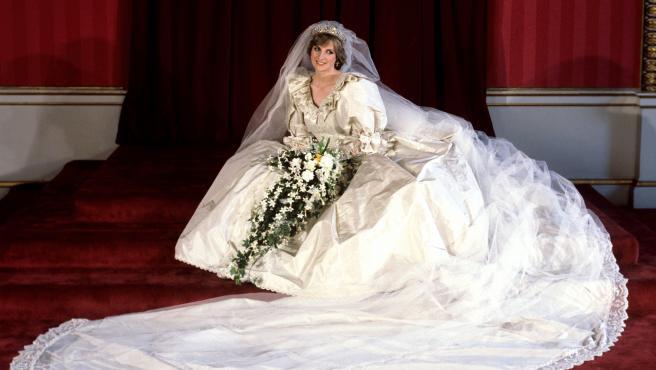 El famoso vestido de la princesa Diana será expuesto tras 25 años.