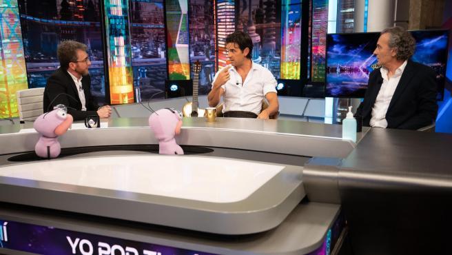 Pablo Motos, Mario Casas y José Coronado, en 'El hormiguero'.