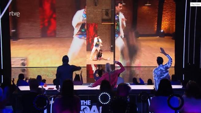 Ion Aramendi y Sandra Cervera bailan en 'The Dancer'.