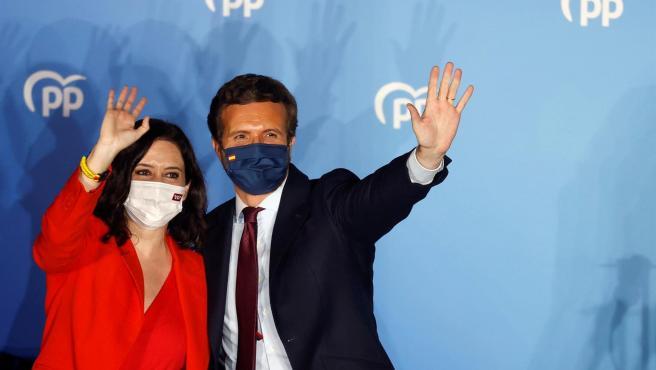 El líder del PP, Pablo Casado, junto a la presidenta de la Comunidad de Madrid, Isabel Díaz Ayuso.