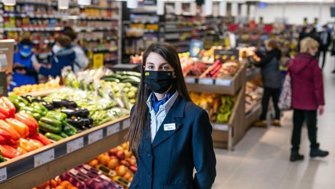 Alicia Taboada, encargada en BM supermercados.