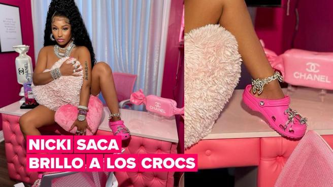 Nicki Minaj se hace una foto desnuda con unos Crocs y la web de las sandalias se bloquea