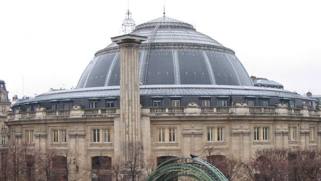 Imagen del edificio de la Bolsa de Comercio de París.