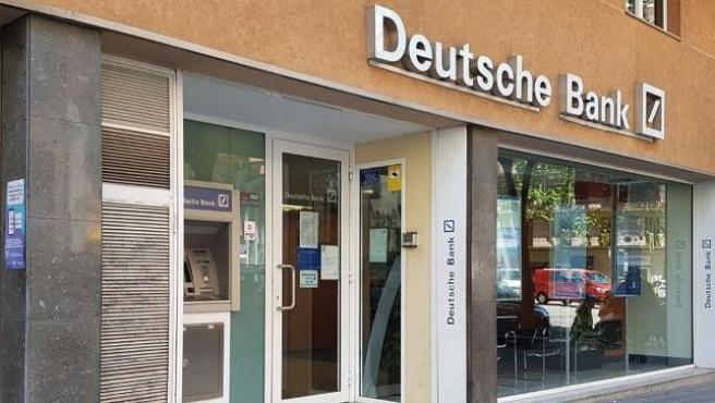 Oficina de Deutsche Bank de la calle Còrcega de Barcelona.