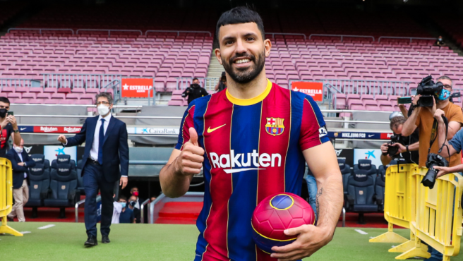 El Kun Agüero, presentado con el Barça