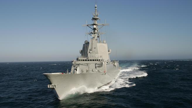 """Imagen de la fragata """"Almirante Juan de Borbón"""" (F-102) de la Armada Española."""
