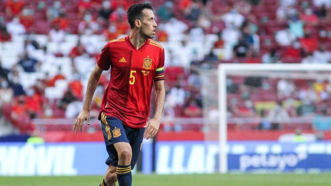 Sergio Busquets durante un partido de la selección española.