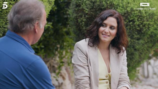 Bertín Osborne e Isabel Díaz Ayuso, en 'Mi casa es la tuya'.