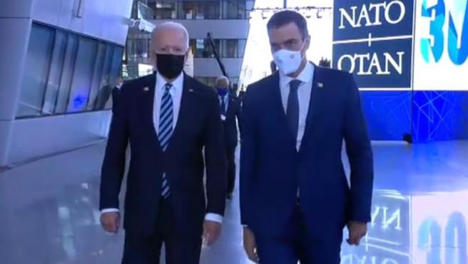 Joe Biden y Pedro Sánchez en la reunión de la OTAN.