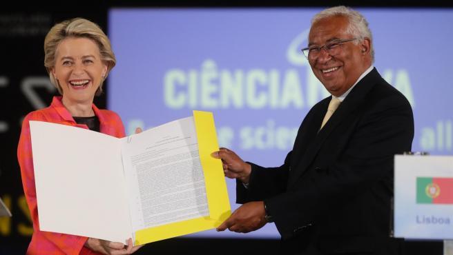 La presidenta de la CE, Ursula von der Leyen, y primer ministro portugués, Antonio Costa.