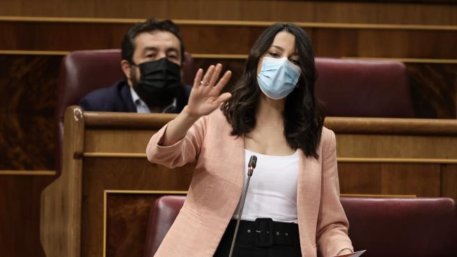 """Arrimadas (Cs) acusa a Sánchez de """"humillar a los constitucionalistas"""" por los indultos"""