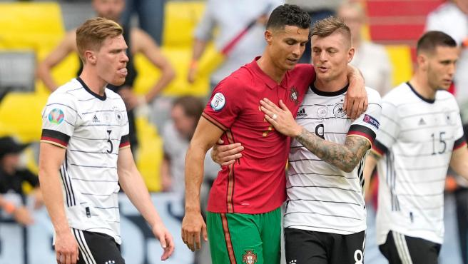 Cristiano Ronaldo y Toni Kroos