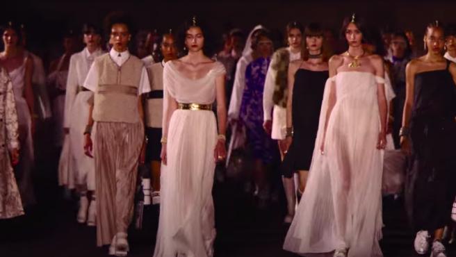 La nueva colección crucero de Dior está inspirada en la Atenas clásica.