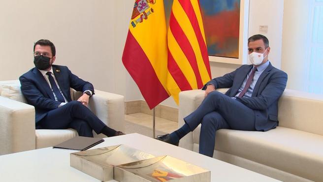 La mesa de negociación entre del Gobierno central y la Generalitat se celebrará la semana del 13 de septiembre. Es el principal acuerdo que este martes alcanzaron el president de la Generalitat, Pere Aragonès, y el presidente del Gobierno, Pedro Sánchez, en la reunión que mantuvieron en la Moncloa.