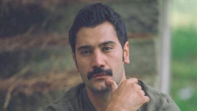 El actor de 'Tierra amarga' Uğur Güneş.