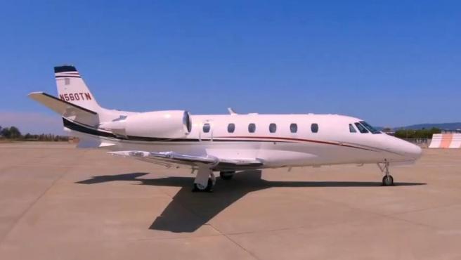 """El Cessna Citation 560 será ese compañero inseparable de Pilar Rubio en sus viajes. Todo un lujo de """"amigo"""", ya que dispone de confortables asientos de cuero, mesas ejecutivas, acabados en madera de nogal, alfombra y cuarto de baño, entre los muchos equipamientos que posee."""
