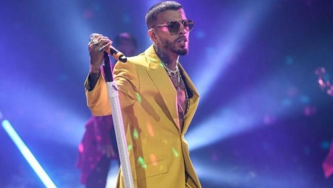 Rauw Alejandro durante su concierto para los MTV MIAW.