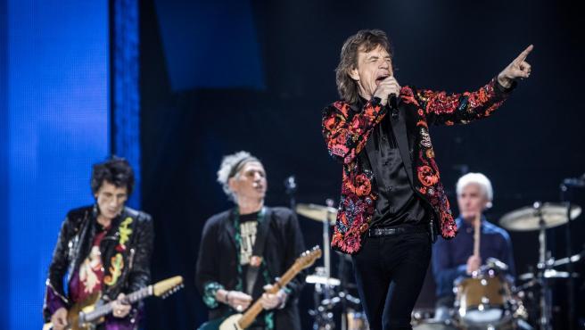 Mick Jagger, Charlie Watts, Ron Wood y Ketih Richards, componentes de los Rolling Stones, actúan en París en 2017.