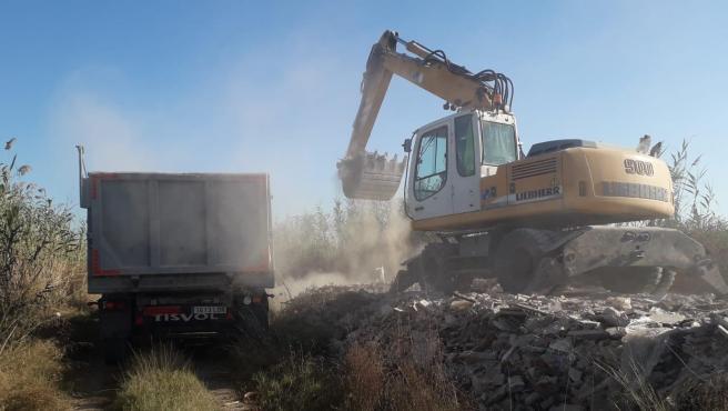 Retirada de los escombros entre el Saler y Pinedo.