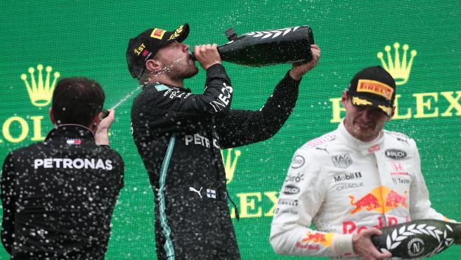 Bottas celebra su victoria en el GP de Turquía