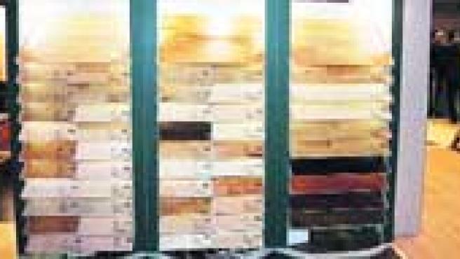 Tarimaso. Ya existen en el mercado numerosos tipos de pavimentos de madera, la opción más cálida y que mejor combina con cualquier decoración de una casa.