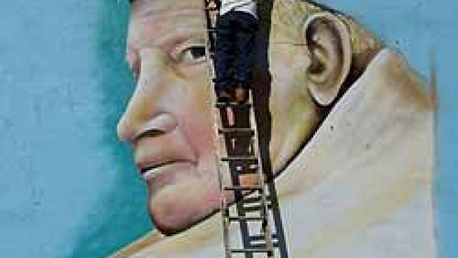 Mural homenaje a Juan Pablo II en Nueva York (Foto: EFE)