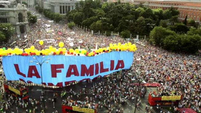 """La manifestación convocada por el Foro de la Familia ha marchado bajo el lema """"La familia sí importa. Por el derecho a una madre y un padre. Por la libertad""""."""