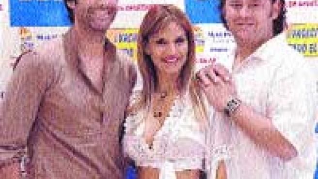 'El verano de tu vida', con Jorge Fernández, Ivonne Reyes y Miguel Nadal.