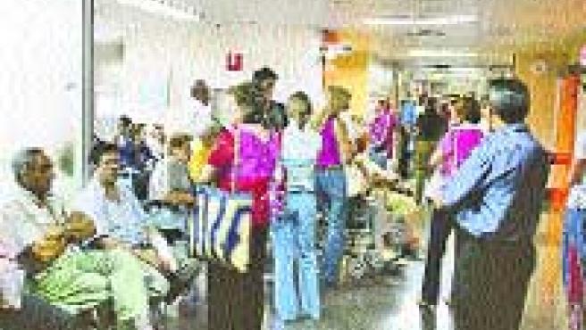 Pacientes esperando su turno en unas urgencias.
