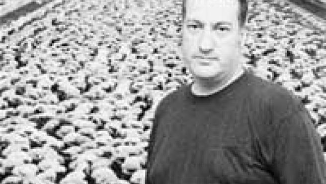 El norteamericano Spencer Tunick ante una de sus imágenes que expuso el Palau de la Virreina.