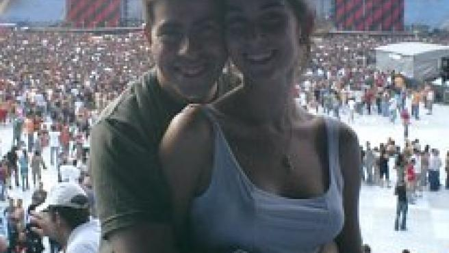 Raúl y Alejandra, poco antes del comienzo del concierto de U2.