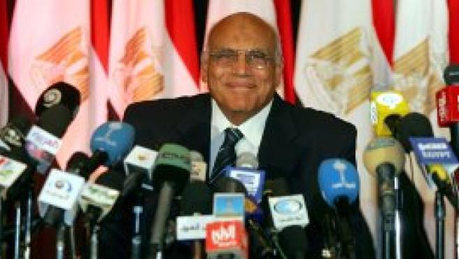 Mubarak en una rueda de prensa tras conocer su victoria (EFE)