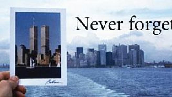 Cartel de la Fundación del Monumento Conmemorativo del World Trade Center.