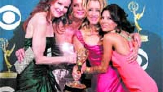 Marcia Cross, con (de izda. a dcha.), Nicollette Sheridan, Felicity Huffman y Eva Longoria, las Mujeres desesperadas.
