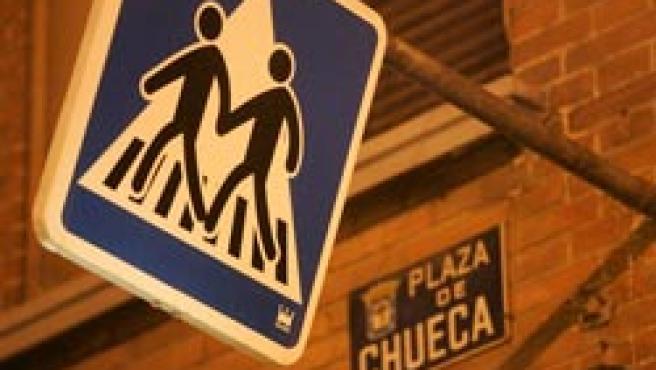 El barrio se articula alrededor de la boca de metro de Chueca