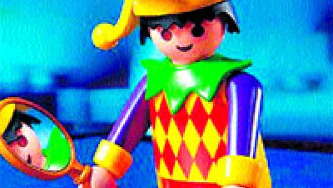Un ninot de Playmobil disfressat de bufó i arlequí.