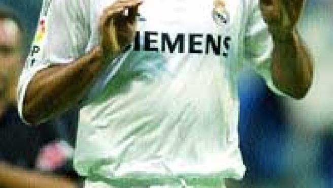 Ronaldo hace la rana para celebrar su gol; el primero del Real Madrid.