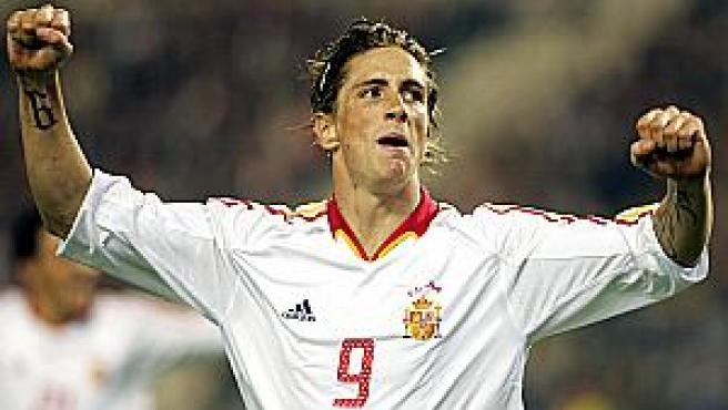 Fernando Torres celebra su primer gol en el partido que disputaron ante Bélgica en el estadio Rey Balduino de Bélgica (Foto: Efe)