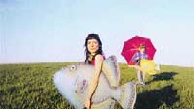 Clara Téllez forma Los Peces, junto con Santi Comet.