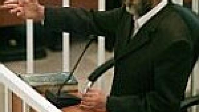 Sadam discute con el juez en la primer jornada del proceso en su contra (EFE).