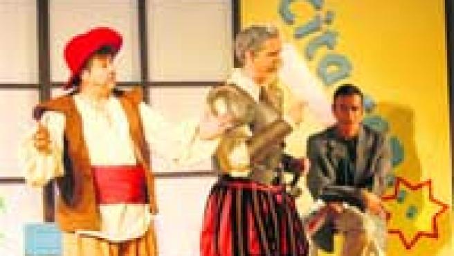 El grupo La Murga pone en escena la obra Cita con el Quijote.