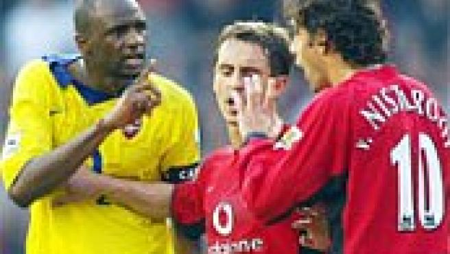 Vieira recrimina a Van Nistelrooy en la conocida como 'batalla de Old Trafford' de 2003